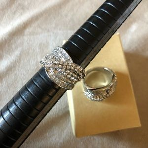 Jewelry - Size 7.5 and 8 beautiful ring
